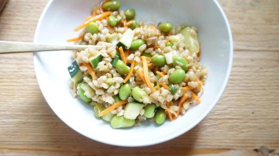 vegan barley salad with edamame // kitchenblend
