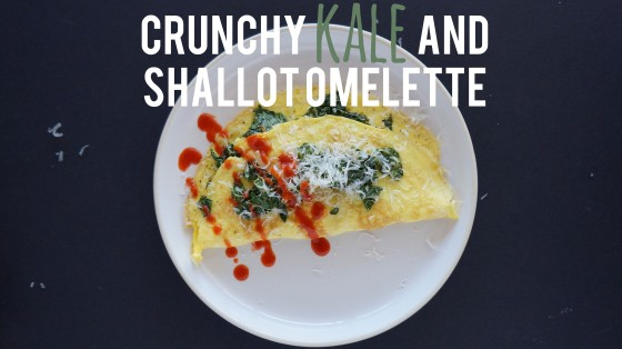 crunchy kale and shallot omelette // kitchenblend