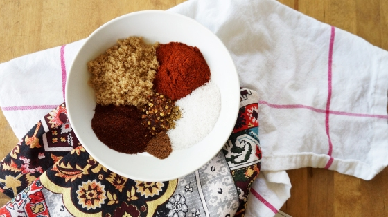 homemade dry rub for chicken // kitchenblend