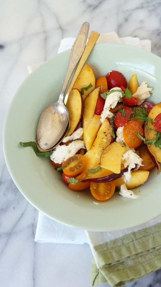 mozzarella nectarine salad // kitchenblend