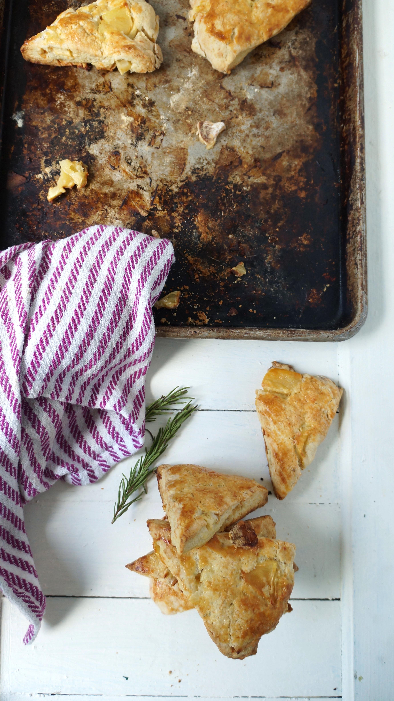 apple cheddar rosemary scones |